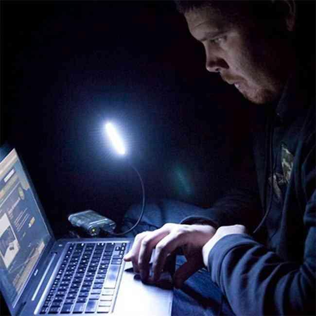 Портативната лампа GOAL ZERO Luna LED